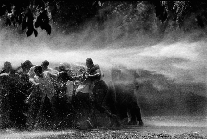 FireHoses.Birmingham1963.BobAdelman.BigWide